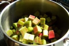 How do you make Rhubarb and Orange Chutney | Find a recipe for Rhubarb and Orange Chutney