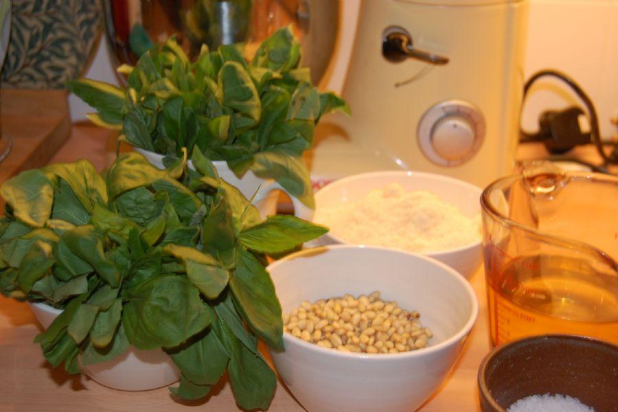 How to make Pesto - recipe method