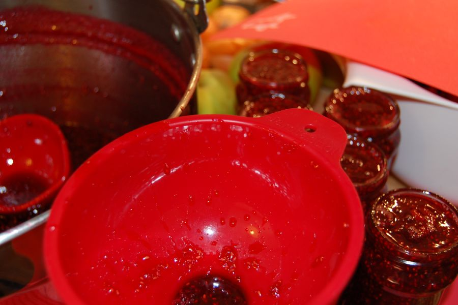 How to make Rhubarb & Raspberry Jam - recipe method